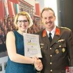 Gewinnerin des Hauptpreises: Gutschein von Hafnermeister Mario Hofer und KerzenAtelier Bianca Hofer